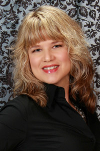Author Gina Robinson